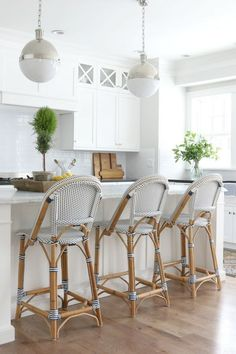 White Hamptons Style Kitchens