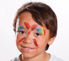 Discover how to very simply make an American Indian makeup for Child or Adult! Indian Face Paints, Anniversaire Cow-boy, Cut Up Shirts, Thanksgiving Preschool, Indian Pictures, Indian Makeup, Face Painting Designs, Le Far West, American Indians