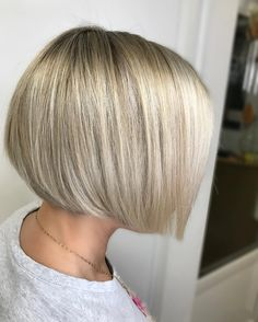 Bob hairstyles for fine hair - Best Frisuren Bob Hairstyles For Fine Hair, Medium Bob Hairstyles, Short Bob Haircuts, Cool Hairstyles, Short Hair Cuts, Short Hair Styles, Gray Hair Highlights, Corte Bob, Great Hair