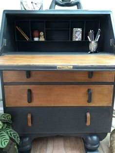 Writing Bureau, Antique Writing Desk, Antique Desk, Vintage Writing, Wooden Pallet Furniture, Wooden Desk, Lounge Furniture, Painted Furniture, Bureau Upcycle