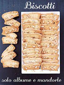 """I biscotti della zia: Biscotti """"ali di farfalla"""" con soli albumi e mandorle Biscotti Cookies, Biscotti Recipe, Yummy Cookies, No Cook Desserts, Italian Desserts, Vegan Desserts, Healthy Treats, Healthy Recipes, Healthy Food"""