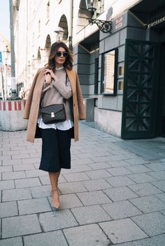 Streetstyle Outfit: Culottes, Layering and Pochette Metis.