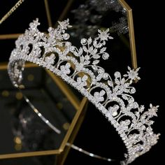 Silver Wedding Crowns, Silver Tiara, Wedding Hair, Wedding Tiaras, Headpiece Jewelry, Hair Jewelry, Quinceanera Tiaras, Crown Aesthetic, Bride Tiara