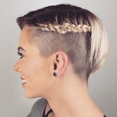 Shaved Side Hairstyles, Sporty Hairstyles, Box Braids Hairstyles, Short Hairstyles For Women, Very Short Hair, Short Hair Styles Easy, Braids For Short Hair, Cool Braids, Amazing Braids