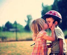 Such a cute kiss!♥
