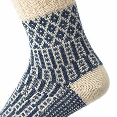 pure virgin wool (origin in South America), knit. Foot and shaft with stockinet stitch. - Jacquard Long Socks at Manufactum Woolen Socks, Types Of Braids, Cable Knitting, Wool Yarn, South America, Perfect Fit, Pure Products, Stitch, How To Make