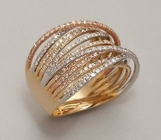 Bague Diamant – Tendance : Julieri diamond and mixed gold 'Martha Graham' ring I Love Jewelry, Gold Jewelry, Jewelry Box, Jewelry Rings, Jewelry Accessories, Fashion Accessories, Jewelry Design, Diamond Jewelry, Jewelry Ideas
