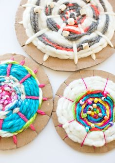 hello, Wonderful - EASY CARDBOARD CIRCLE WEAVING FOR KIDS