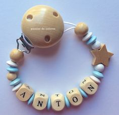 Chupetero de madera Pacifiers, Design Crafts, Creative, How To Make, Tape, Scrappy Quilts, Beading, Necklaces, Easy Crafts