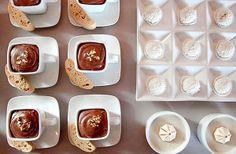 Ideja za slatko posluženje i dekoraciju - čokoladni mus, rafaelo kuglice i puslice.