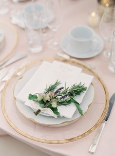 Fresh foliage accented place setting: http://www.stylemepretty.com/2016/03/24/chic-backyard-farm-wedding-in-washington/ | Photography: O'Malley Photographers - http://omalleyphotographers.com/