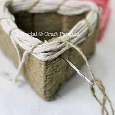 Basket Weaving Template 48 Ideas For 2019 Twig Furniture, Loom Craft, Square Baskets, Arts And Crafts, Diy Crafts, Textiles, Basket Decoration, Weaving Patterns, Basket Weaving