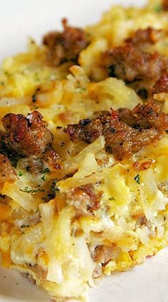 Sausage Hash Brown Breakfast Casserole Sausage Hash Brown Breakfast Casserole - hash browns, sausage, eggs & cheese - can be made ahead of time and refrigerated until ready! Great for overnight guest and Christmas morning! Sausage Hashbrown Breakfast Casserole, Breakfast Casserole With Bread, Overnight Breakfast Casserole, Breakfast Desayunos, Chicken Breakfast, Hash Brown Sausage Casserole, Breakfast Ideas, Brunch Casserole, Breakfast Burritos