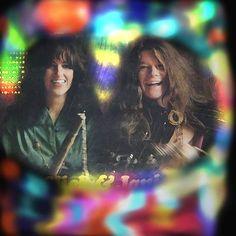 Grace Slick and Janis Joplin.  12189061_1142262502458222_8941416937655441820_n.jpg (566×566)