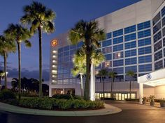 Melbourne (FL) Hilton Melbourne Rialto Place Hotel United States, North America Located in Airport Boulevard, Hilton Melbourne Rialto Place Hotel is a perfect starting point from which to explore Melbourne (FL). Featuring a complete list of amenities, guests will find their stay at the property a comfortable one. 24-hour front desk, facilities for disabled guests, luggage storage, Wi-Fi in public areas, car park are there for guest's enjoyment. Each guestroom is elegantly furn...