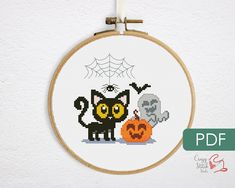Funny Embroidery, Dmc Embroidery Floss, Embroidery Patterns, Fall Cross Stitch, Simple Cross Stitch, Counted Cross Stitch Patterns, Cross Stitch Designs, Halloween Cross Stitches, Cross Stitching