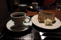 シフォンケーキとコーヒー
