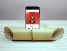 iBamboo is an electricity-free speaker made from a single piece of bamboo a natural material.