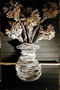 Flower-newspaper-sculptures-by-nick-georgiou