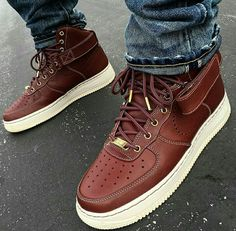 Stunning 32 Hottest Sneakers Shoes Ideas For Men That Can Make You Look Cool Sneakers Mode, Sneakers Fashion, Fashion Shoes, Sneakers Workout, Shoes Sneakers, Chunky Sneakers, Black Sneakers, Running Sneakers, Cheap Fashion