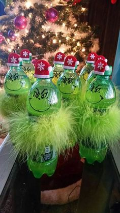 Celebrate Christmas in Grinch style. Here are best Grinch Christmas Party ideas. From Grinch Christmas decor to Grinch themed Christmas recipes are here. Grinch Christmas Decorations, Grinch Christmas Party, Grinch Party, Christmas Party Decorations, Christmas Themes, Christmas Holidays, Christmas Wreaths, Christmas Ornaments, Office Christmas Decorating Themes