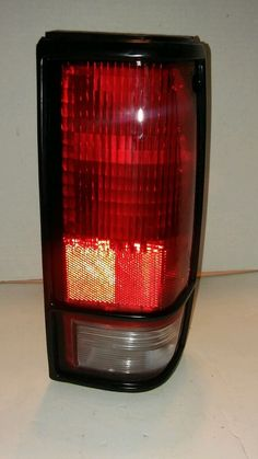 Replacement Chevrolet/GMC Passenger Side Taillight Assembly TTC 11-1324-91-1A
