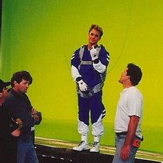 A gallery of Mighty Morphin Power Rangers: The Movie publicity stills and other photos. Featuring Jason David Frank, Steve Cardenas, Amy Jo Johnson, David Yost and others. Power Rangers Poster, Power Rangers 1995, Power Rangers Movie, Mmpr Movie, Pink Ranger Kimberly, David Yost, Johnny Yong Bosch, Jason David Frank, Amy Jo Johnson