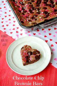 Heart-Shaped Chocolate Chip Brownie Bars for your Valentine! | Hungry Healthy Girl #BakeWithGhirardelli #CleverGirls