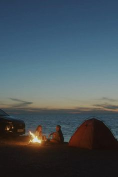 Camping Aesthetic, Sky Aesthetic, Aesthetic Movies, Beautiful Nature Pictures, Beautiful Nature Scenes, Nature Photos, Camping Site, Tent Camping, Teen Photography Poses