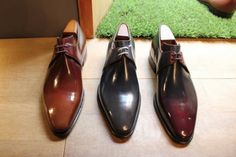 Visit of shoemaker Corthay in Paris New Shoes, Men's Shoes, Shoes Sneakers, Dress Shoes, Suit Shoes, Fashion Shoes, Mens Fashion, Rubber Shoes, Well Dressed Men