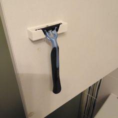 For 3-bolt razor to screw
