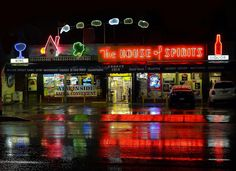 The House of Spirits in an intitution in Echo Park (Los Angeles ) ~ Museum Of Neon Art, Rainy Night, Rainy Days, Pool Signs, Park Pictures, City Of Angels, Surefire, California Dreamin', Echo Park