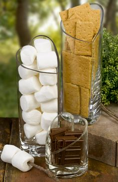 i would love a bonfire at my wedding, its not complete without smores!!!!