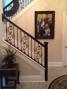 home decor diy ideas Iron Staircase, Staircase Decor, Staircase Railings, Staircase Design, Wrought Iron Stairs, House Stairs, Home Stairs Design, Stair Railing Design, Outdoor Stairs