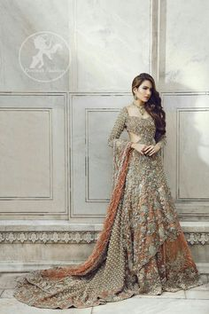 Indian Pakistani Bridal Anarkali Suits & Gowns Collection Wedding Fancy Anarkali suits for Asian brides in best designs and styles. Pakistani Couture, Pakistani Wedding Dresses, Pakistani Outfits, Indian Dresses, Indian Outfits, Indian Couture, Bridal Dresses 2018, Bridal Outfits, Bridal Gowns