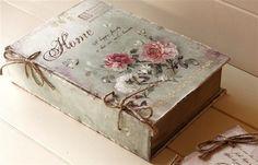 Book-like storage box (Romantic Shabby Chic Box of wood and fabric) Vintage Shabby Chic, Shabby Chic Style, Shabby Chic Decor, Vintage Box, Vintage Style, Deco Rose, Diy And Crafts, Paper Crafts, Decoupage Box