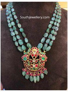 Beaded Jewelry Designs, Gold Jewellery Design, Necklace Designs, Beaded Jewellery, Bridal Jewellery, Jewelry Patterns, Jewellery Making, Emerald Jewelry, Emerald Necklace