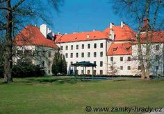 Třeboň European Countries, Czech Republic, Castles, Cathedral, Mansions, Country, House Styles, Places, Nature