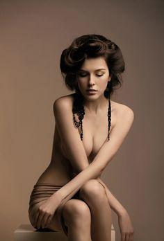 Love her hair for boudoir.