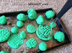 Playdough + potatoe masher + cookie sheet Strengthen little hands and arms by using a potato smasher! This is just 1 of the 25 occupational therapist-approved fine motor activities you can do with your child, using items from around your house! Motor Skills Activities, Gross Motor Skills, Sensory Activities, Preschool Activities, Sensory Rooms, Toddler Fine Motor Activities, Therapy Activities, Physical Activities, Sensory Tubs