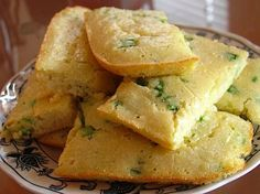 low carb green onion cornbread with no corn (made with almond flour) - net carbs per serving; Low Carb Bread, Low Carb Diet, Keto Corn Bread, Low Carb Recipes, Cooking Recipes, Healthy Recipes, Ketogenic Recipes, Easy Recipes, Sem Lactose
