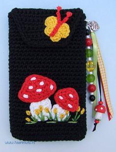 crochet pouch/cozy>