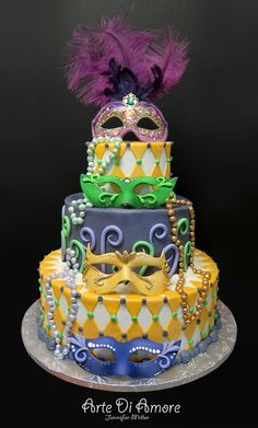 Mardi Gras Themed Part cake by Arte Di Amore l Mardi Gras Food, Mardi Gras Carnival, Mardi Gras Party, Masquerade Cakes, Masquerade Party, Cupcakes, Cupcake Cakes, Beautiful Cakes, Amazing Cakes