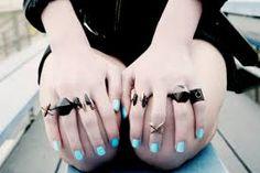... pretty nails ...