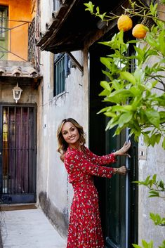 Master Chic Italian Fashion With These 7 Rules - Giadzy Italian Women Style, Classic Italian, Italian Fashion, European Fashion, Italian Chic, Italian Street, Stilettos, Haute Couture Brands, Party
