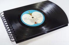 FOTOALBUM, THE BEATLES Fotobuch Schallplatte von VinylKunst Aurum - Schallplatten Upcycling der besonderen ART auf DaWanda.com
