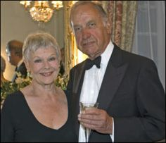 Original Pinner said: My absolute favorite tv couple! Jean (Dame Judi Dench) and Lionel (Geoffery Palmer) from AS TIME GOES BY ! British Tv Comedies, Classic Comedies, British Comedy, British Actors, English Comedy, British Humour, Judy Dench Hair, Judi Dench, Tv Couples