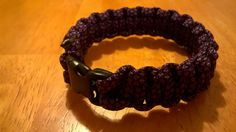 Paracord armband purpel/Diamond via Saljbolaget.com. Click on the image to see more!