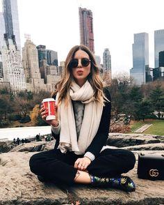 Fashion Winter Nyc New York City Ideas New York Outfits, New York City Pictures, New York Photos, New York Photography, Girl Photography, Winter Photography, Travel Photography, Levitation Photography, Experimental Photography