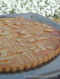 Le broyé du Poitou est un gâteau plat (ou galette) à base de sucre, farine, beurre, oeuf et sel. Il existe sous forme de galettes, petite ou grande. Composé d'ingrédients de base ultra classique, il est très facile à réaliser et pour un résultat impeccable,...